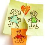 Investigatore privato Napoli: Disegno di un bambino che rappresenta la separazione dei genitori