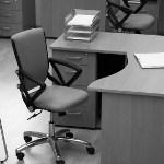 Investigatore privato: scrivania e poltrona vuota